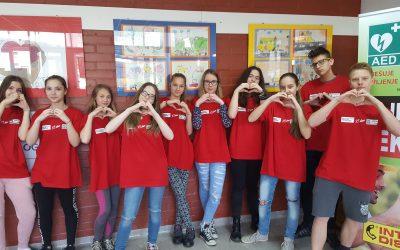 Učenci VNN na predstavitvi AED