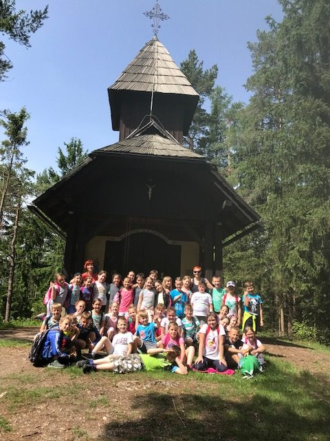 Tretješolci na Brinjevi gori