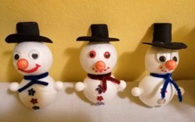 Likovni pouk tretješolcev na snegu